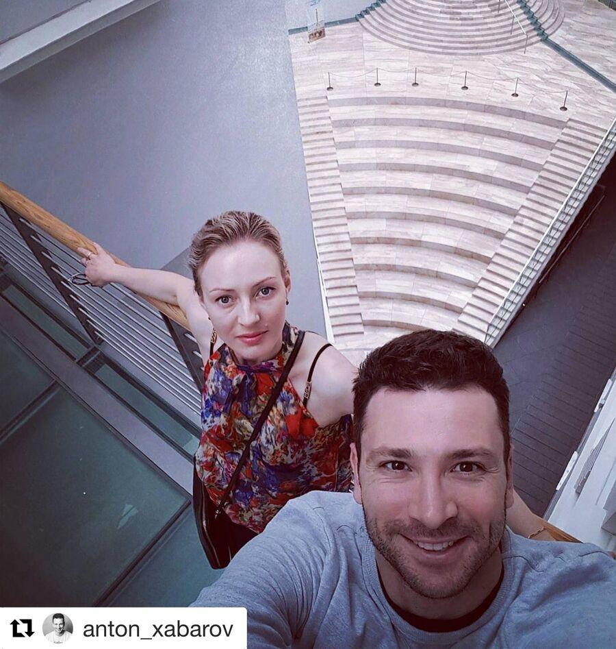 Антон Хабаров с женой Еленой в Санкт-Петербурге