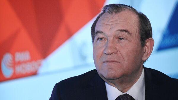 Заместитель мэра Москвы по вопросам жилищно-коммунального хозяйства и благоустройства Петр Бирюков