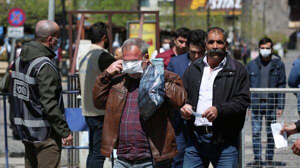 В Турции число заразившихся коронавирусом достигло 78546 человек