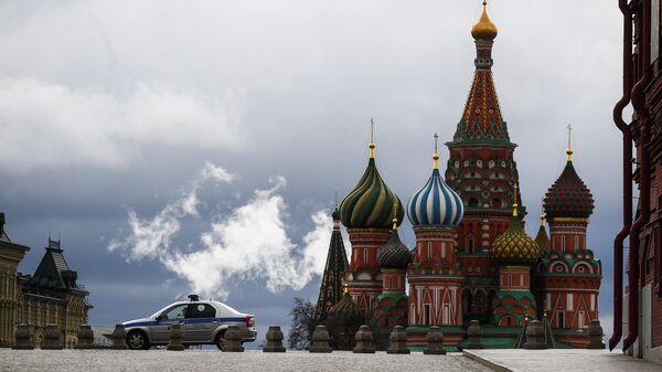 Автомобиль правоохранительных органов на Красной площади в Москве