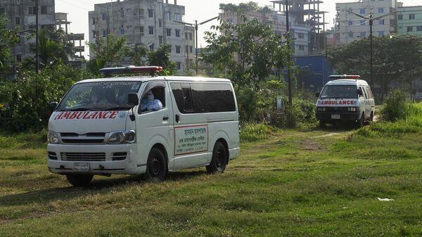 При столкновении лодки с баржей в Бангладеш погибли не менее 26 человек