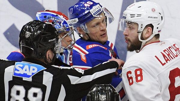 Хоккеист Иван Ларичев