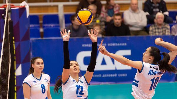 Волейболистки Динамо-Метар