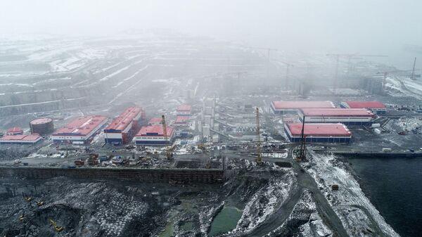 Территория центра строительства крупнотоннажных морских сооружений ПАО Новатэк в селе Белокаменка