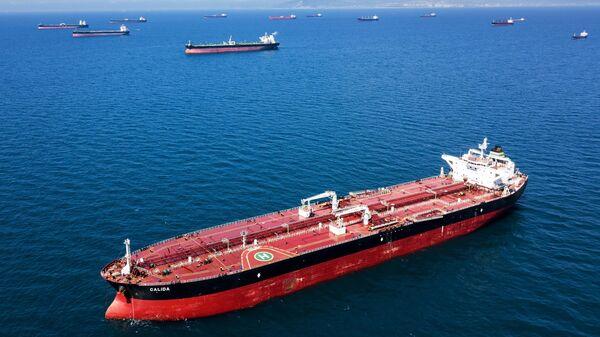 Нефтяной танкер