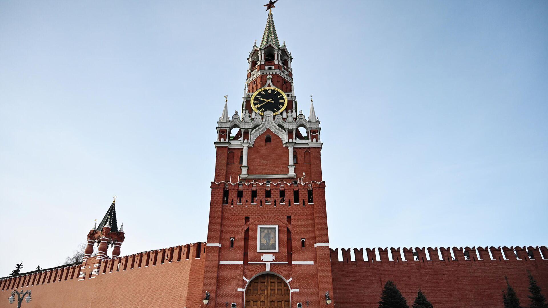 Фроловская башня, ставшая Спасской, и Кока-Кола со свастикой - РИА Новости, 1920, 26.04.2020