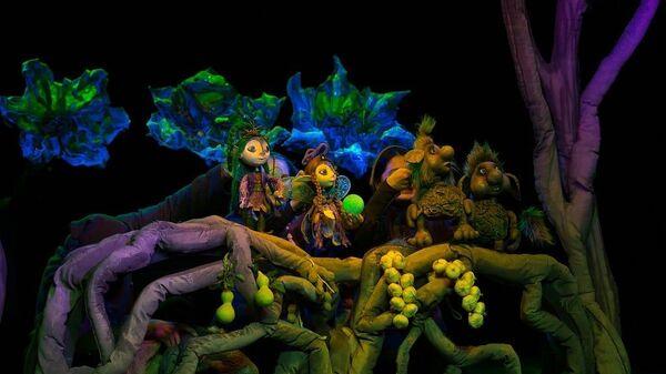 Сцена из спектакля Бурятского республиканского театра кукол Ульгэр