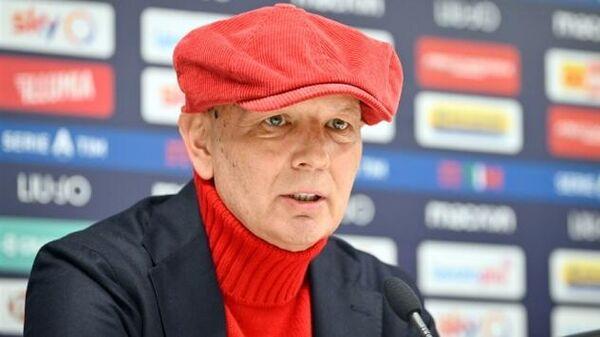Главный тренер футбольного клуба Болонья Синиша Михайлович на пресс-конференции