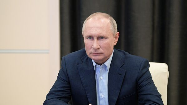 Путин поручил подготовить доклады по мерам по поддержке экономики