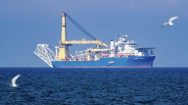 """Способное достроить """"Северный поток — 2"""" судно направилось в Германию"""