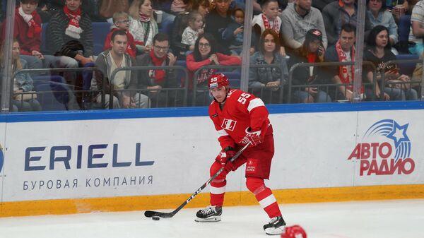 Защитник хоккейного клуба Спартак Дмитрий Вишневский