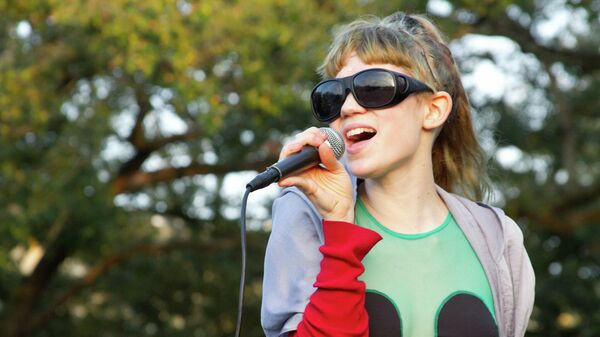 Канадская певица Клэр Элис Буше (Граймс)