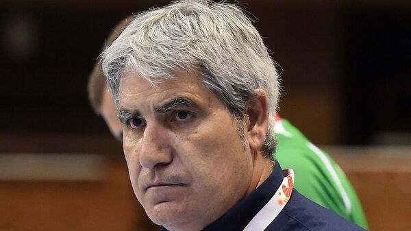 Главный тренер волейбольного клуба Факел Камилло Плачи