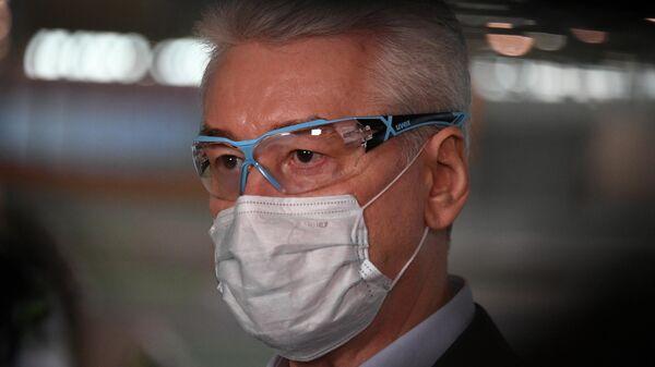 Мэр Москвы Сергей Собянин в защитной маске