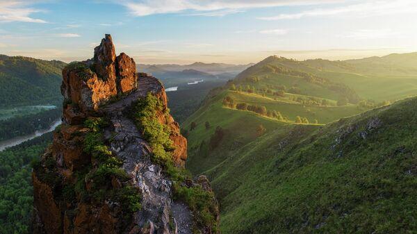 Гора Чертов палец на Алтае