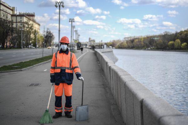 Дорожный рабочий Виталий Трефилов