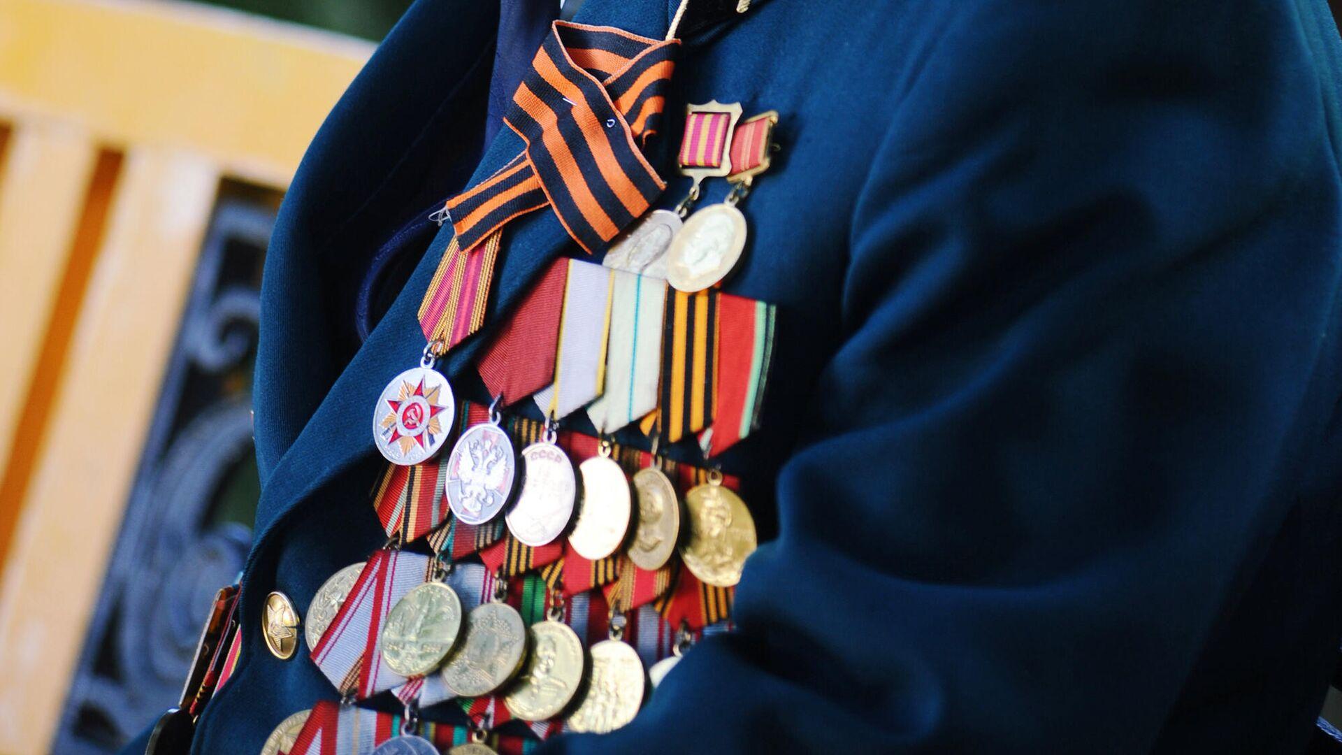 Медали на груди ветерана Великой отечественной войны - РИА Новости, 1920, 27.05.2021