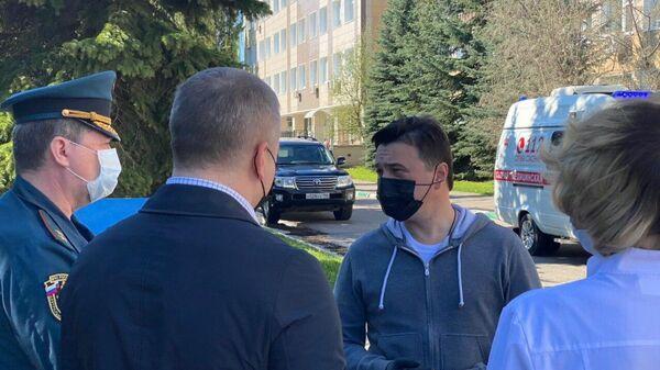 Глава Подмосковья навестил пострадавших при пожаре в Красногорске