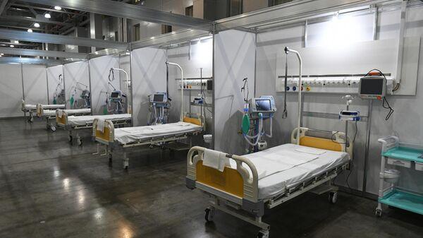 Палаты во временном госпитале для пациентов с COVID-19 в Международном выставочном центре Крокус Экспо в Красногорске
