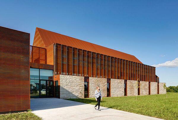 Католическая церковь Св. Евангелиста Луки. Анкени, США. Neumann Monson Architects, номинация New Facilities