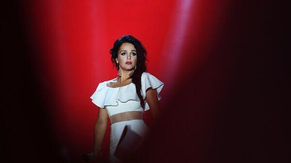 Певица Слава выступает на международном музыкальном фестивале ЖАРА в Баку