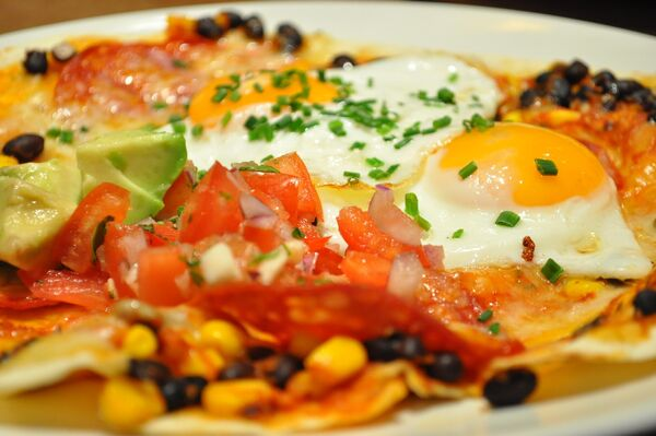 Мексиканское блюдо уэвос ранчерос