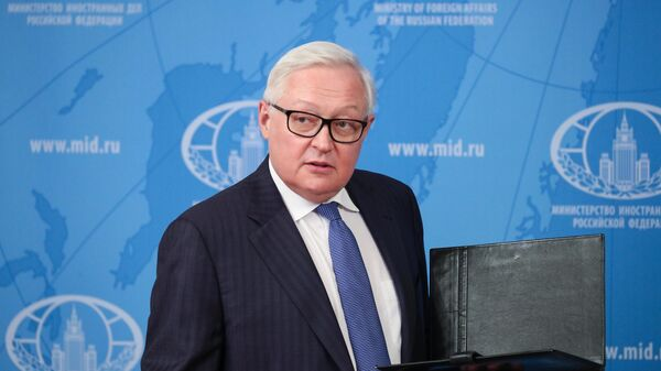 Заместитель министра иностранных дел РФ Сергей Рябков перед началом лекции для студентов МГИМО в режиме видеоконференции