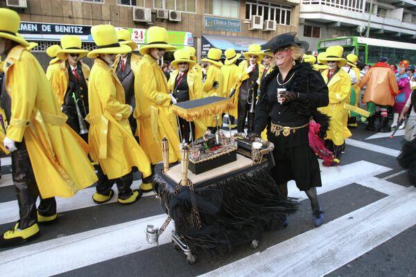 Ежегодный карнавал в Санта-Крус-де-Тенерифе