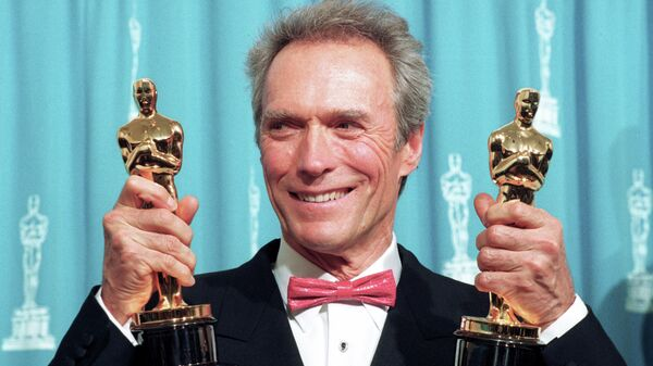 Клинт Иствуд на церемонии вручения премии Оскар, 1993 год