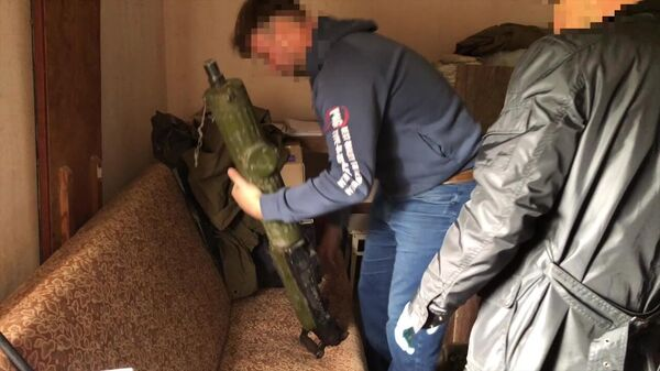 Огнестрельное оружие, изъятое сотрудниками ФСБ РФ в ходе оперативных действий по пресечению противоправной деятельности лиц, причастных к восстановлению боевых свойств гражданских образцов оружия и изготовлению боеприпасов