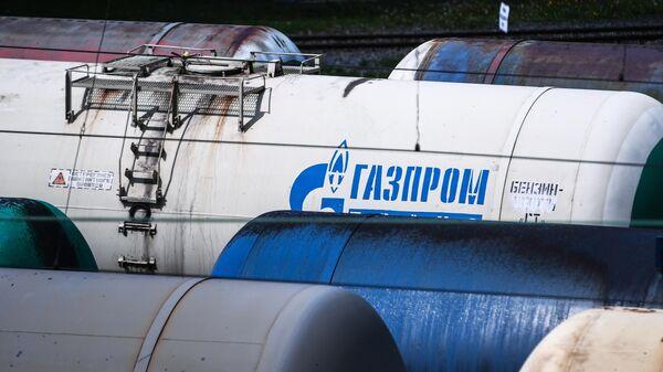 Железнодорожные вагоны-цистерны для перевозки нефти и топлива