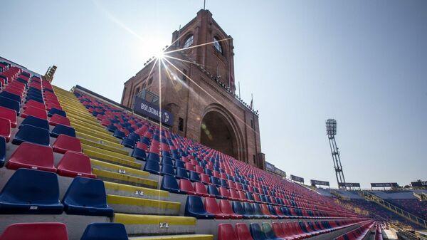 Трибуны стадиона Ренато Даль-Ара в итальянской Болонье