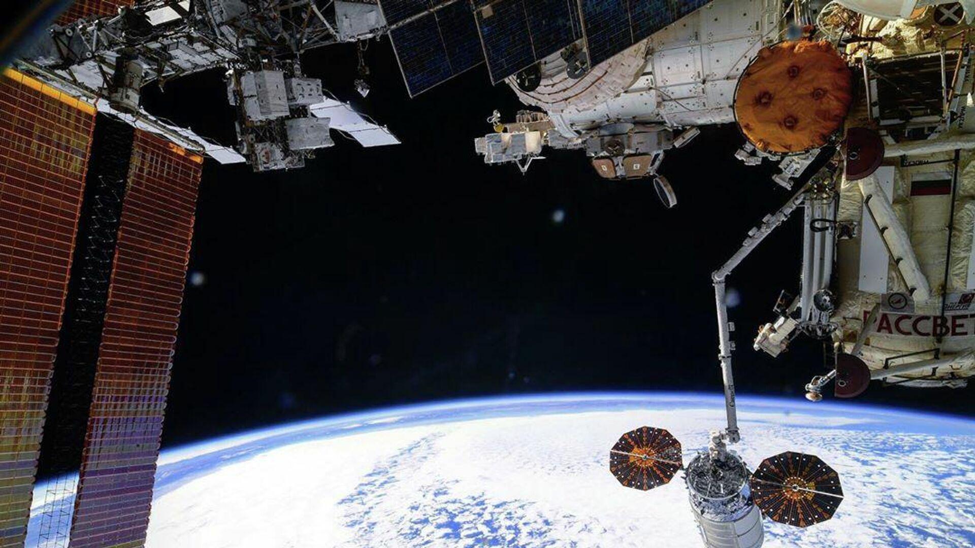 Космический грузовик Cygnus покинул МКС после трех месяцев на орбите