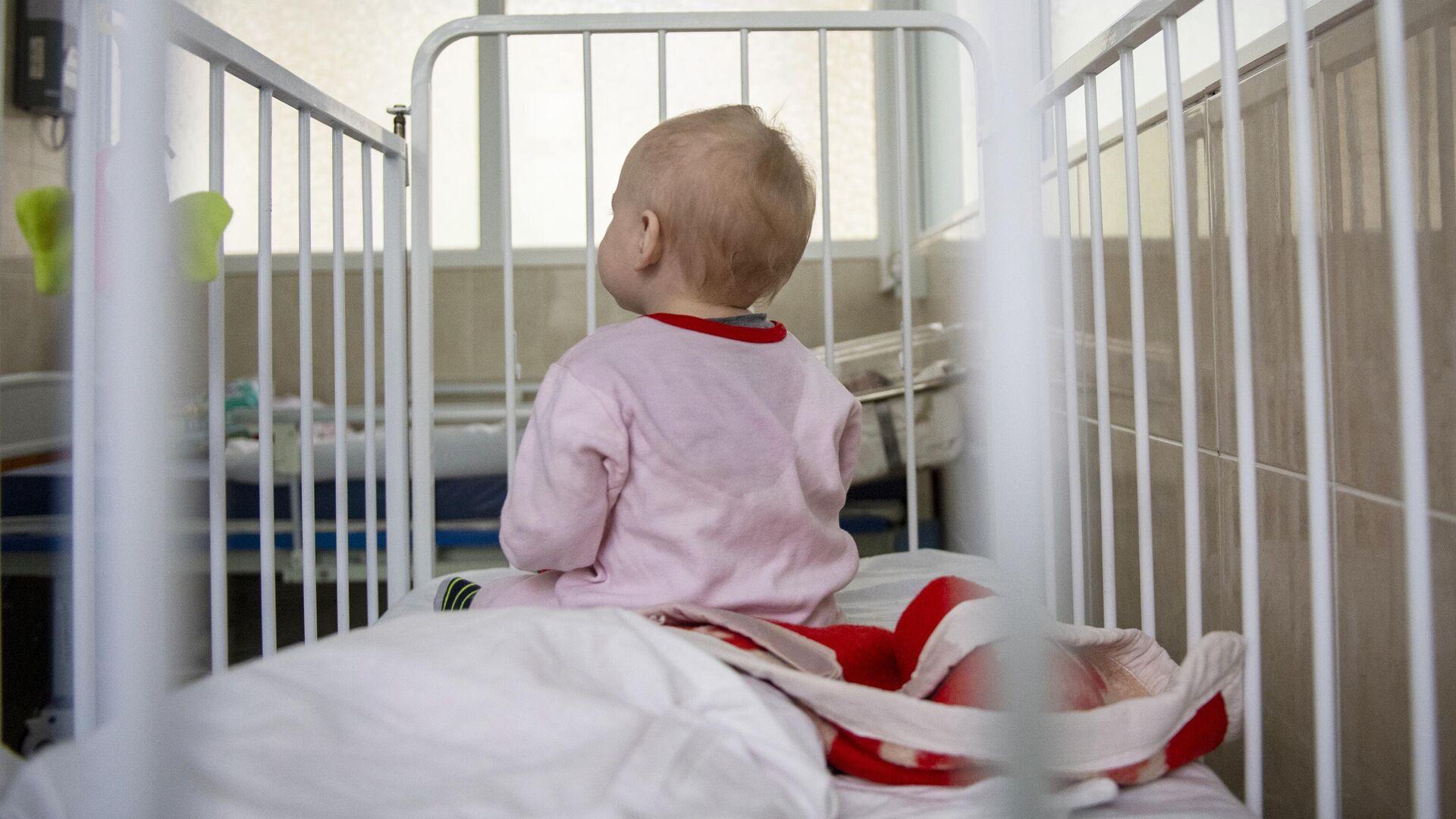 Ребенок в больнице - РИА Новости, 1920, 08.09.2020