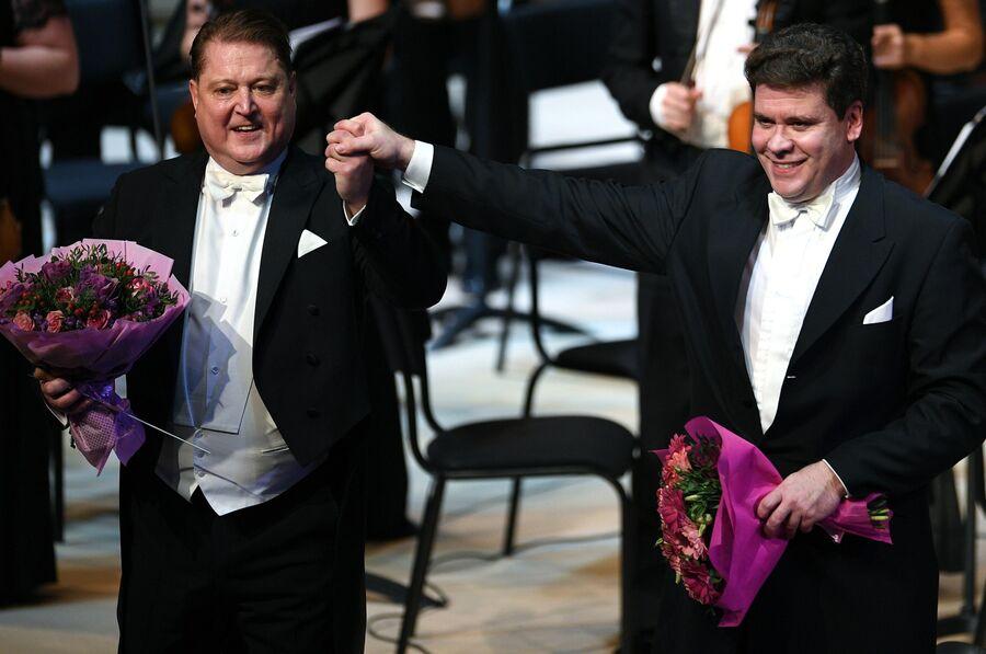 Пианист Денис Мацуев (фортепиано) после выступления на гала-концерте XV Музыкального фестиваля Crescendo в Московском концертном зале Зарядье