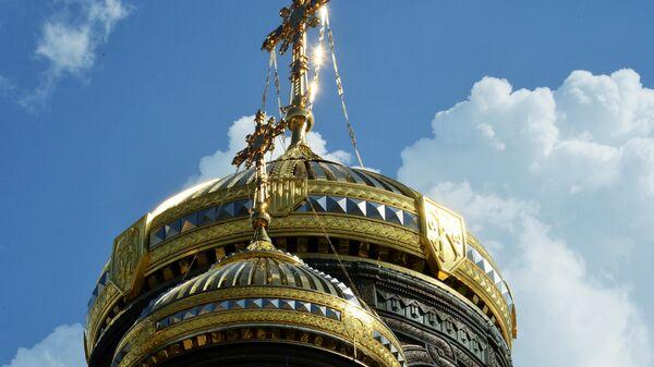 Купола Главного храма Вооруженных сил РФ в парке Патриот.