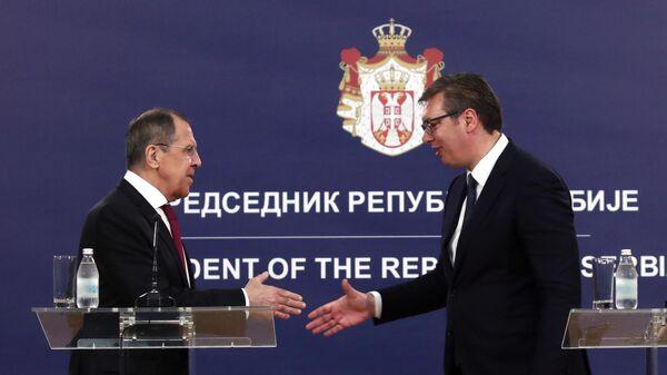 Министр иностранных дел РФ Сергей Лавров и президент Сербии Александр Вучич во время совместной пресс-конференции по итогам встречи в Белграде