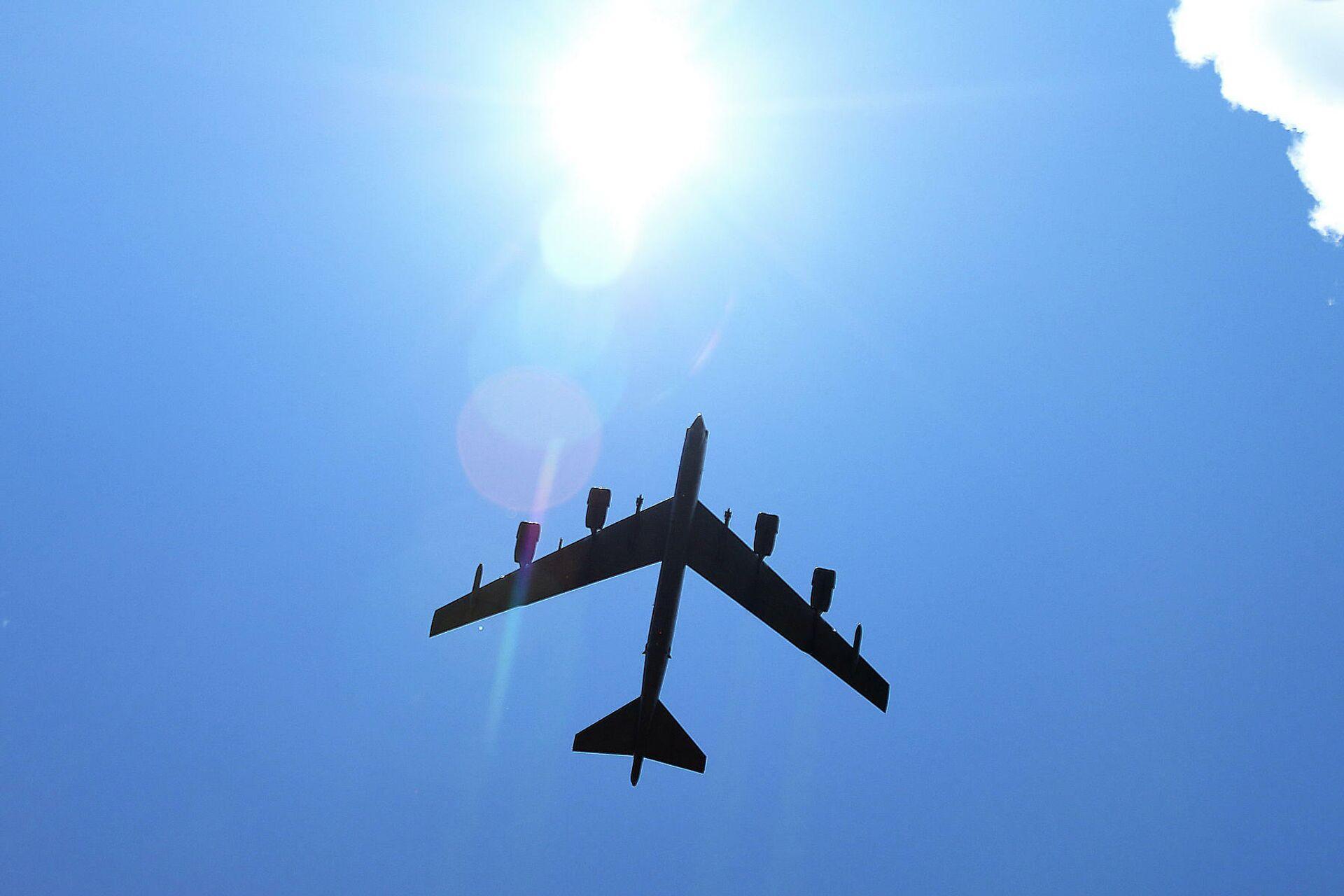 Стратегический американский бомбардировщик Boeing B-52 Stratofortress - РИА Новости, 1920, 01.03.2021