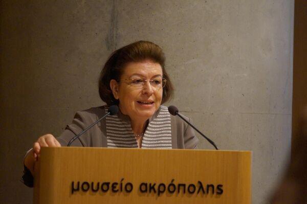 Министр культуры и спорта Греции Лина Мендони