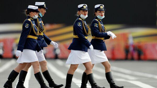 Военнослужащие во время генеральной репетиции парада в честь 75-летия Победы в Великой Отечественной войне в Москве