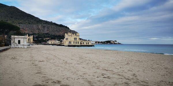 Пляж Монделло в Палермо, Сицилия