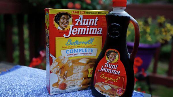 Смесь для вафель и сироп бренда Aunt Jemima