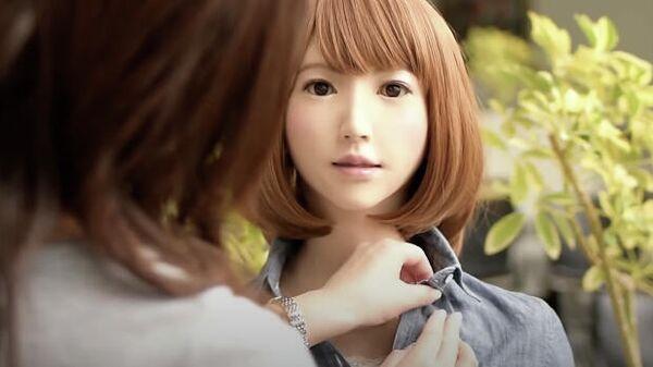 Скриншот видео о роботе Erica