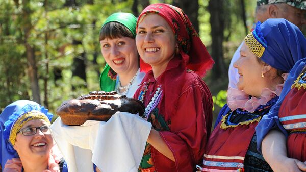 Участницы фестиваля культуры семейских старообрядцев Семейская круговая