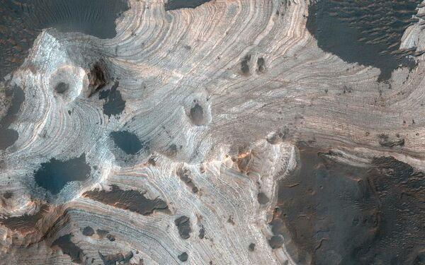 Марсианский ударный кратер Холдена