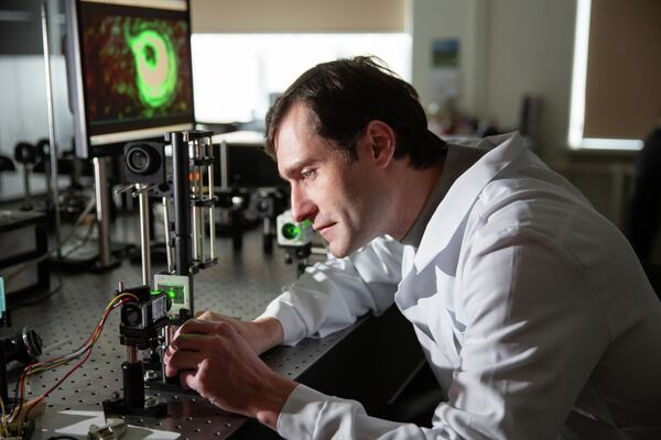 Люди в науке, 1-е место. Исследование вихревых полей в оптических резонаторах