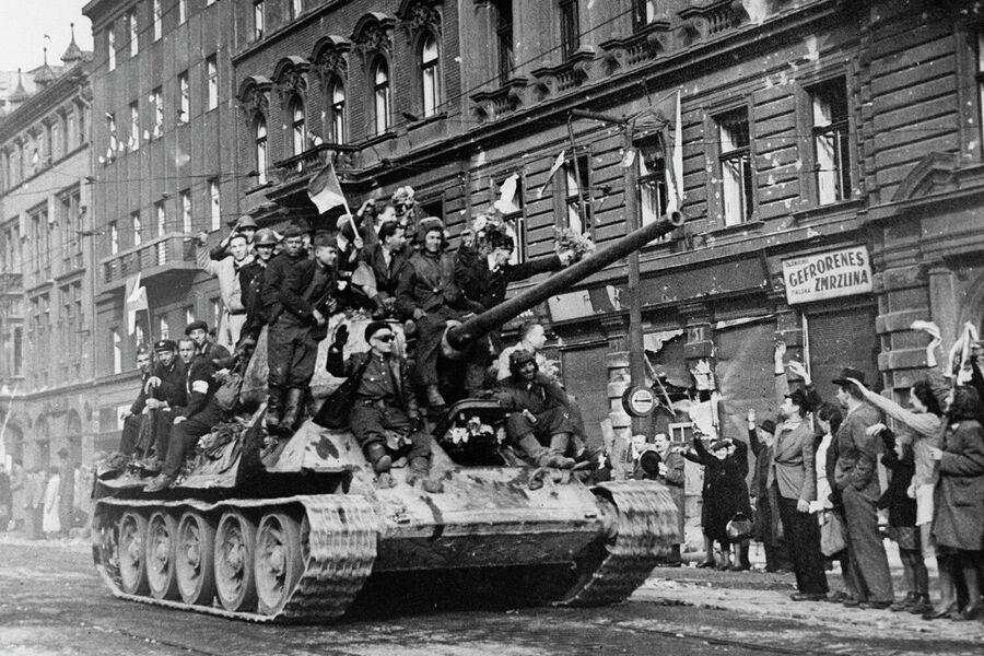 Встреча советских войск в Праге