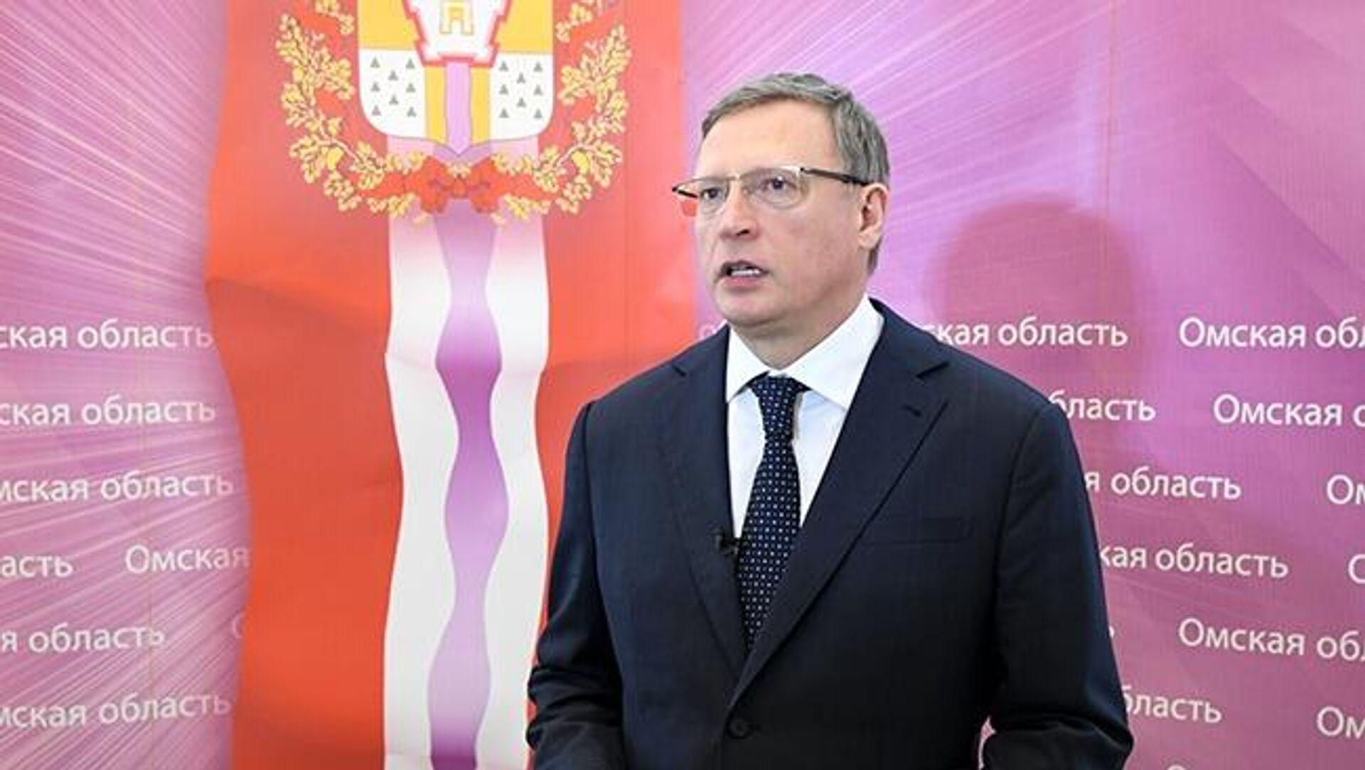 Губернатор вручил 16 машин лучшим аграриям Омской области