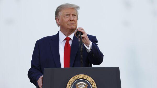 Президент США Дональд Трамп выступает в Вашингтоне на праздновании Дня независимости США