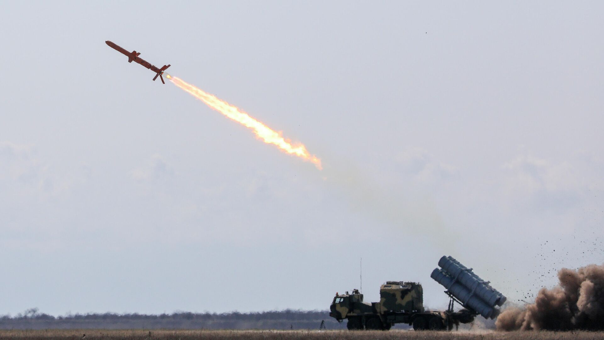 Испытания украинской крылатой ракеты Нептун - РИА Новости, 1920, 07.07.2020
